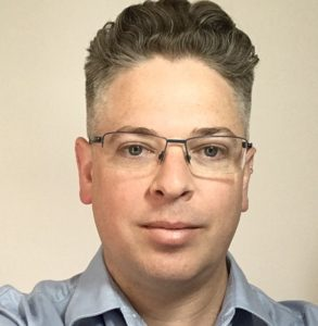Headshot of Elden McDonald, principal of Petrie Associates Pty Ltd